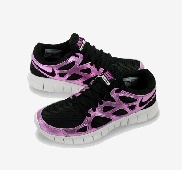 Беговые женские кроссовки Nike Free Run 2