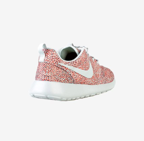 Купить женские кроссовки Nike Rosherun Print